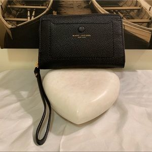 Marc Jacobs NY Pebbled Leather Wristlet